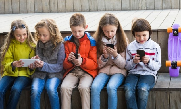 Reducing Screen Time Kids To Protect Mental Health